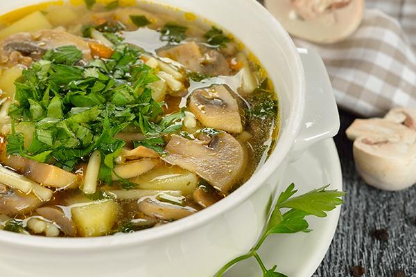 מרק פטריות וגריסים בשרי